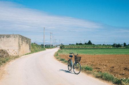 宮古島と石垣島の真ん中にポツリ、のんびり穏やかな「多良間島」【市町村一周の旅】